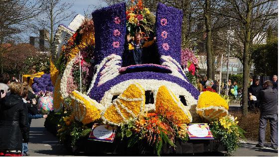 parad-cvetov-bloemencorso-holland