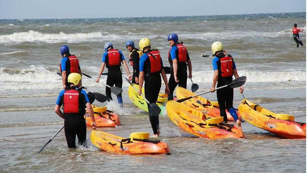 kayak-serfing-v-severnom-more