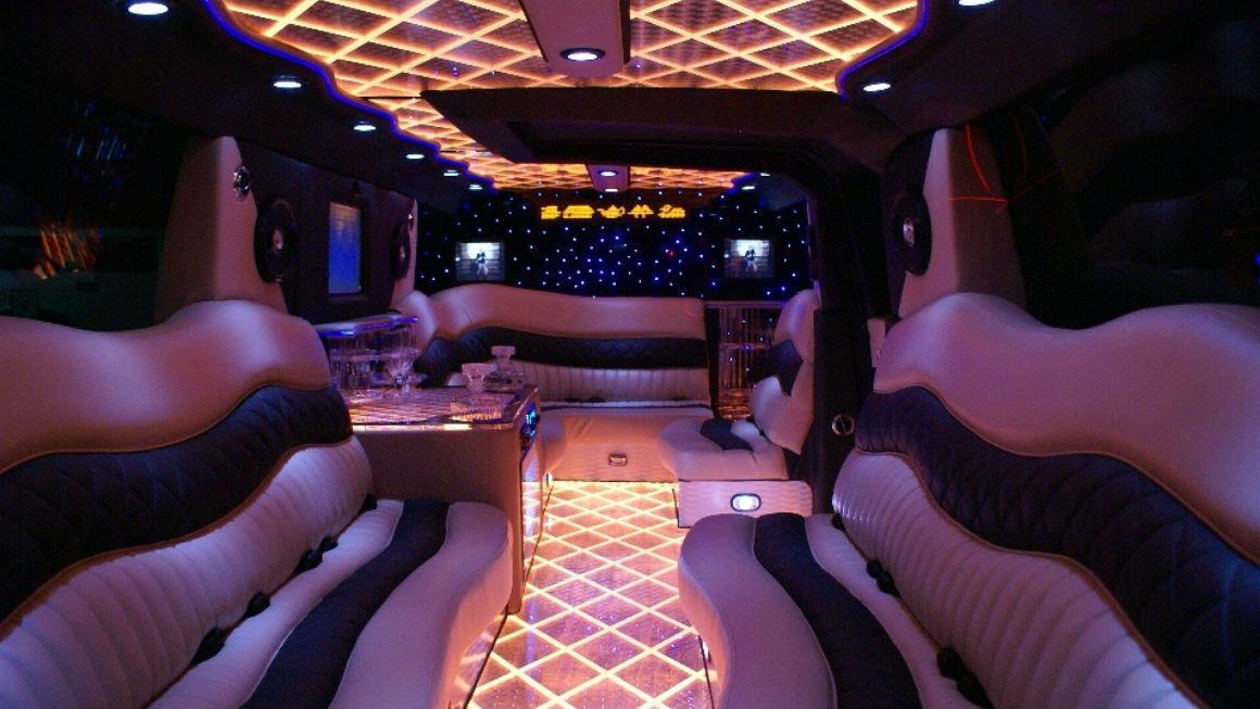limuzin-range-rover-sport-na-8-person