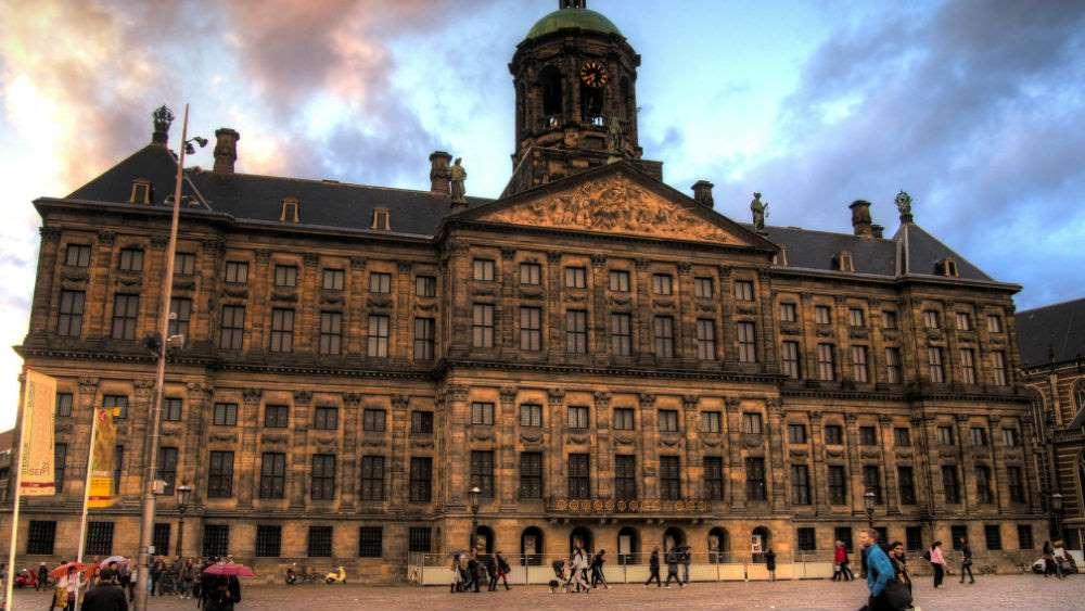 korolevskij-dvorec-amsterdam