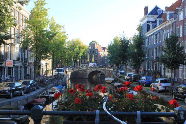 canal-studio-amsterdam