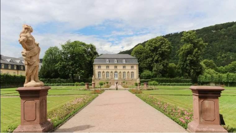 ekskursii-luxemburg-echternach