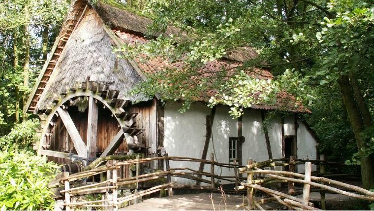 maastricht-bokrijk-jekskursiya-gollandiya-belgiya