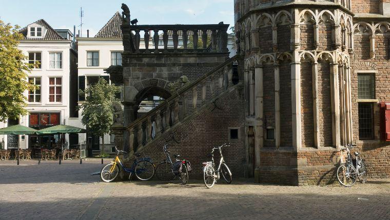 корпоративный отдых Амстердам Квест по кварталу Красных Фонарей в Амстердаме