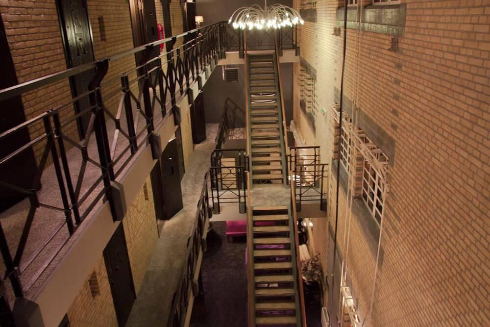 отель в тюрьме Нидерланды