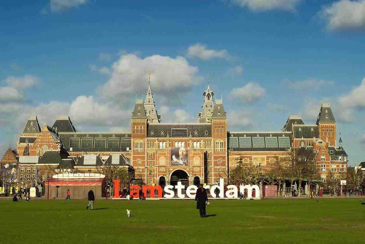Самые популярные музеи Амстердама