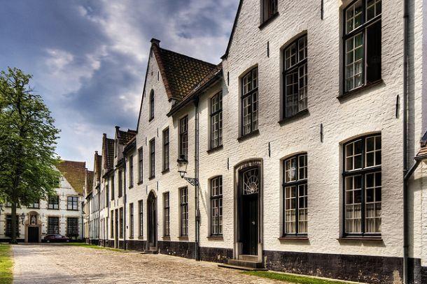 Монастырь бенедиктинок в Брюгге