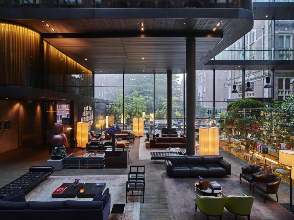лобби отель Conservatorium Amsterdam