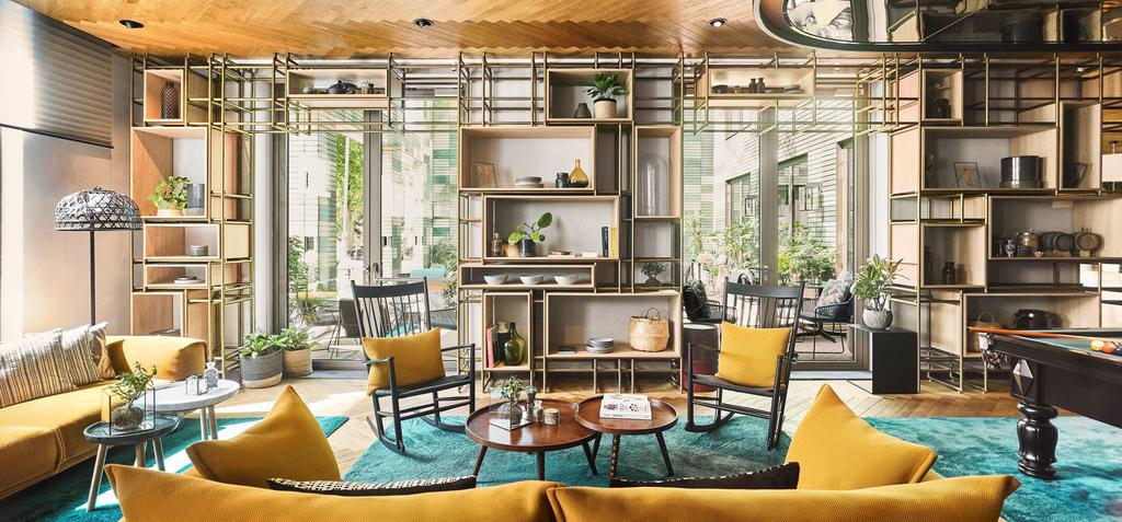 лобби отель Hyatt Regency Amsterdam