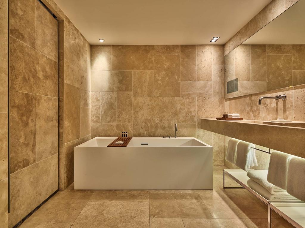 отель Conservatorium Hotel Amsterdam ванная