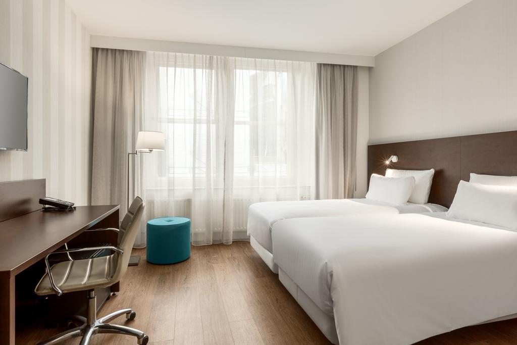 отель NH City Center Амстердам комната