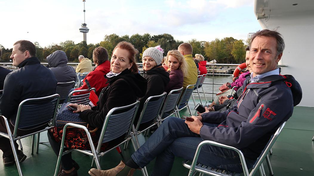 деловая поездка Нидерланды катание на кораблике