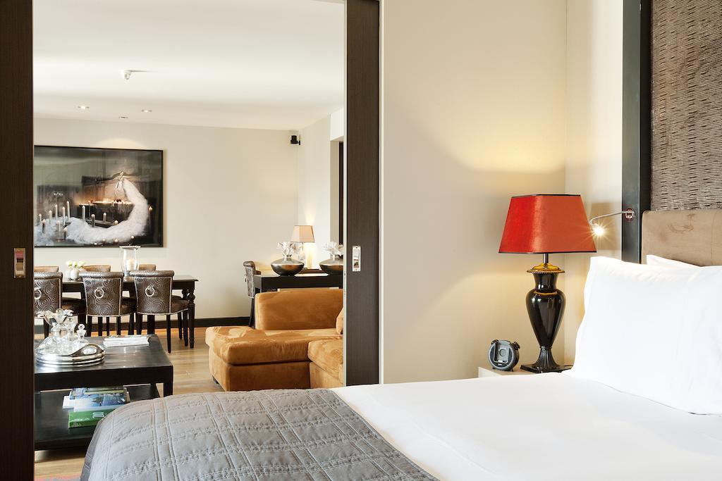 Отель Dominican Брюссель