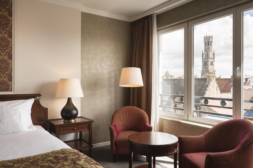 Отель Dukes Palace Брюгге комната
