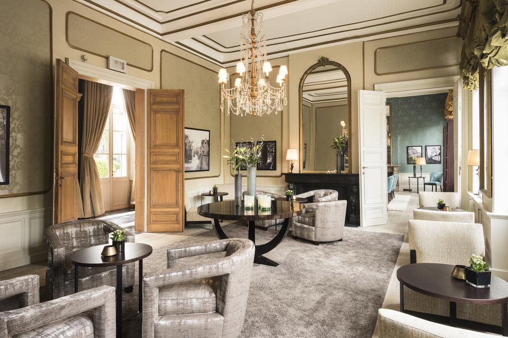 Отель Dukes Palace Брюгге лобби