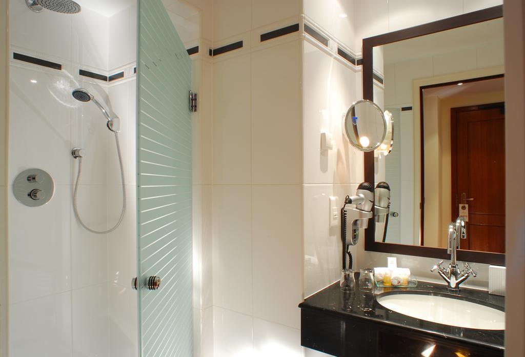 Отель Marivaux Брюссель ванная