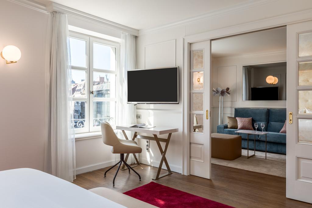 NH Grand Sablon отель Брюссель номер