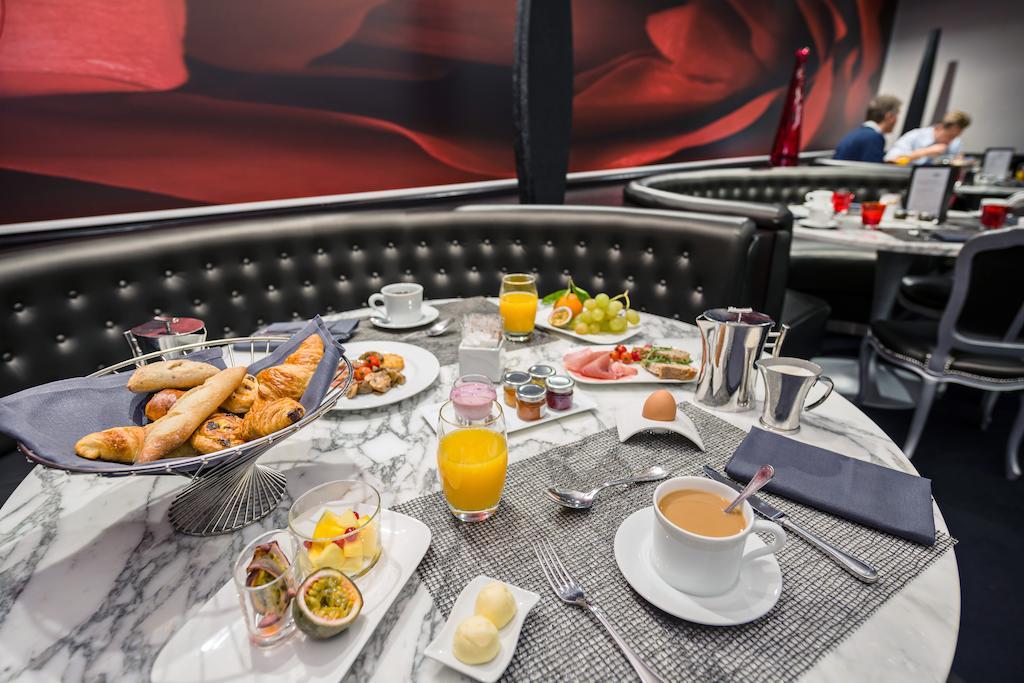 отель Sofitel Brussels Le Louise Брюссель завтрак
