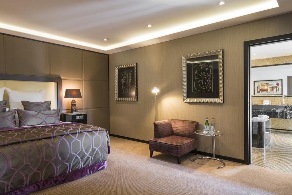 Отель Warwick Брюссель комната