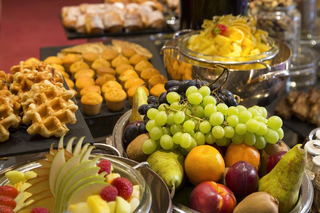 Отель Warwick Брюссель завтрак