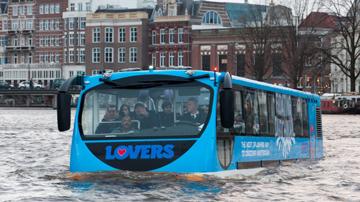 Плавающий автобус-амфибия в Амстердаме и Роттердаме